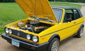 VW Golf I Cabrio mit 507 PS starkem V8