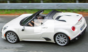 Alfa Romeo 4C Spider (2015): Video