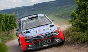 Hyundai i20 WRC: Rallye-Mitfahrt