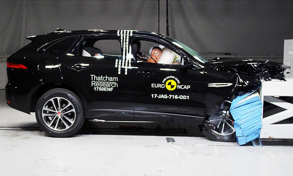 Jaguar F-Pace im Crashtest