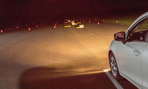 Lichttest Service Ratgeber Mazda 2 Halogen Vergleich