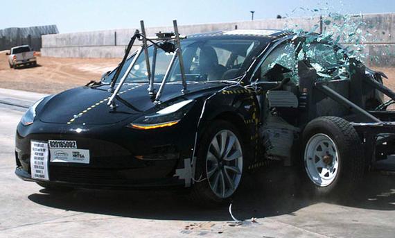 Volle Punktzahl beim Crashtest für Model 3