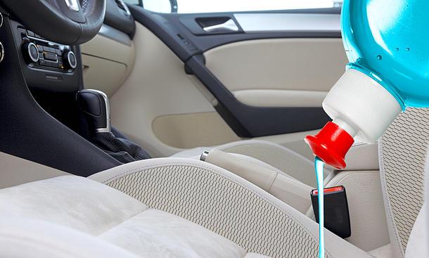 Coronavirus: Auto reinigen & desinfizieren