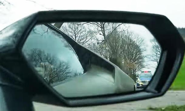 Polizeikontrolle: Sportwagen