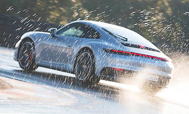 Wet Mode im Porsche 911