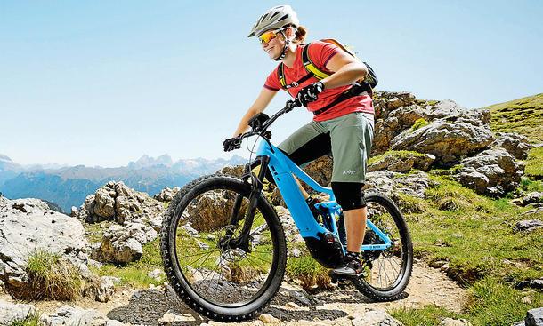 Trail- und Mountainbikes mit E-Motor
