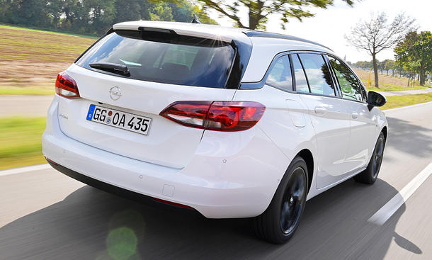 Opel Astra Sports Tourer Facelift