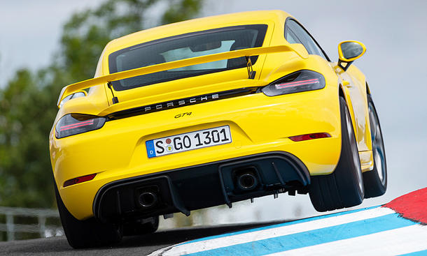 Porsche 718 Cayman GT4 (2019)