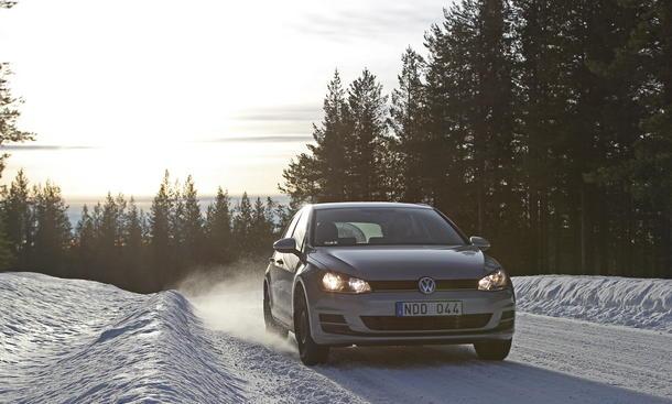 Winterreifentest Reifentest 2013 Vergleich 195/65 R 15 Service