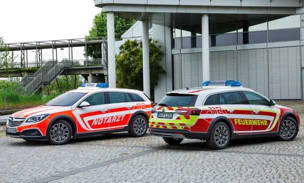 Opel Insignia Country Tourer Notarzt Feuerwehr RETTmobil 2014 Einsatzfahrzeuge