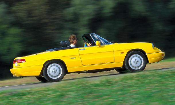 Alfa Romeo Spider: Classic Cars