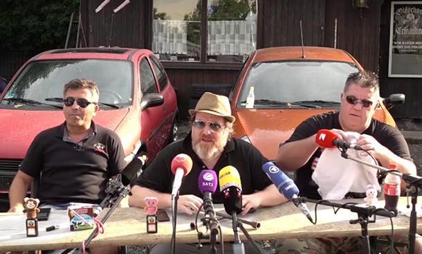 """""""Die Autohändler"""" Jörg und Dragan"""