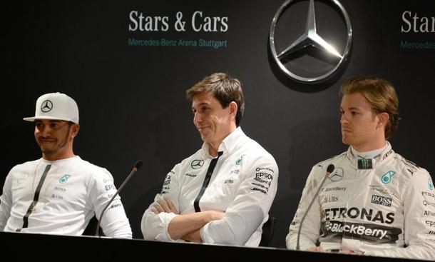 Weltmeister Hamilton testet als Erster für Mercedes