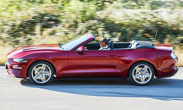 ford mustang cabriolet 2017 best new cars for 2018. Black Bedroom Furniture Sets. Home Design Ideas