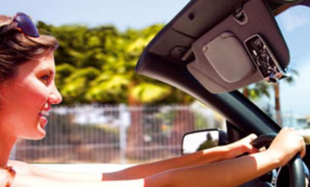Auto-Freisprecheinrichtungen: Zwölf Modelle im Test