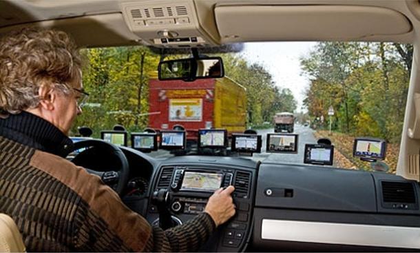 Auto-Zubehör: 8 mobile Navigationsgeräte im Praxistest