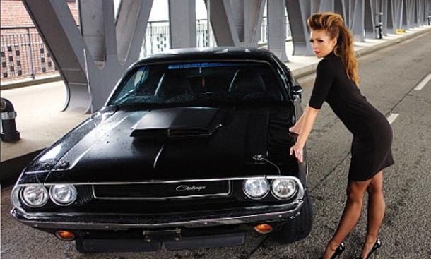 "Pin-up-Kalender ""Girls & Legendary US-Cars 2010"""