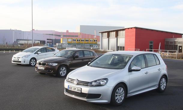 Vergleich in der Kompaktklasse: BMW 116d, Toyota Prius, VW Golf BlueMotion