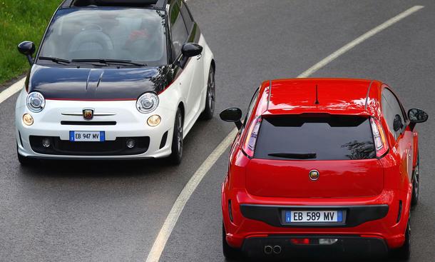 Skorpion oben ohne: Abarth Fiat 500C und Abarth Fiat Punto Evo