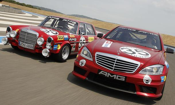 """Im AUTO ZEITUNG Vergleich: Mercedes 300 SEL 6.8 AMG und S63 AMG """"Thirty Five"""""""