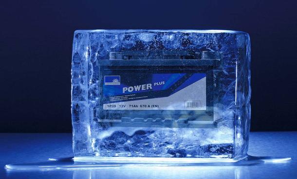 Autobatterie im Stress: Vier bis sechs Jahre hält ein Akku, dann macht er schlapp – meist im Winter