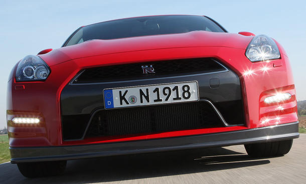 Nissan GT-R Facelift im Fahrbericht der AUTO ZEITUNG