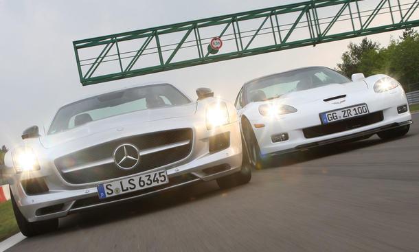 Chevrolet Corvette ZR1 und Mercedes SLS AMG im Vergleich