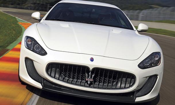 Maserati GranTurismo MC Stradale im Fahrbericht der AUTO ZEITUNG