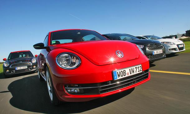 VW Beetle, Mini Clubman, Renault Mégane und Citroën DS4 im Vergleichstest der AUTO ZEITUNG