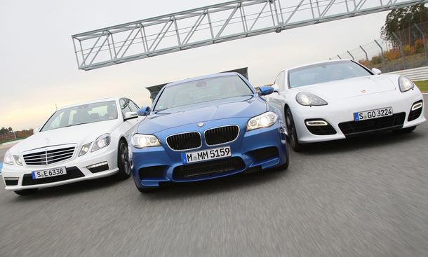 BMW M5, Mercedes E 63 AMG und Porsche Panamera Turbo S im Vergleichstest der AUTO ZEITUNG