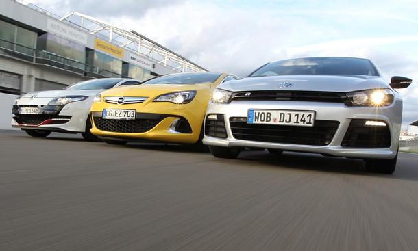 Drei Kompaktsportler im Test: Neuer Opel Astra OPC gegen VW Scirocco R und Renault Mégane Coupé R.S.