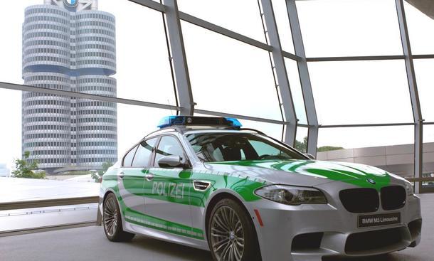 BMW M5 Showcar im Stil der deutschen Polizei