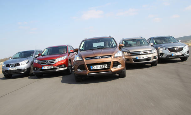 Fünf Kompakt-SUV im Vergleich: Ford Kuga, Honda CR-V, Mazda CX-5, Nissan Qashqai und VW Tiguan im Test