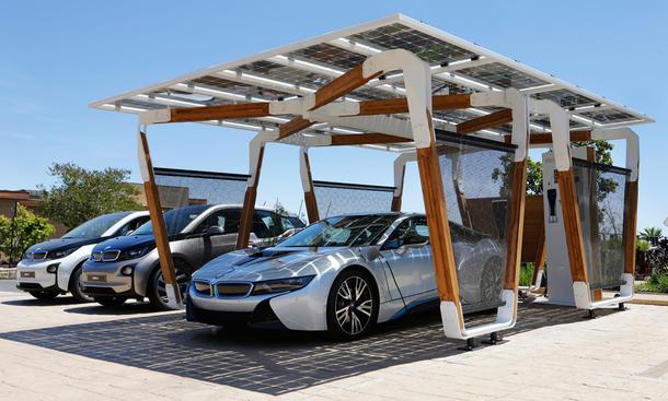 BMW i Solar Carport Concept: Schicke Garage für i8 und Co.