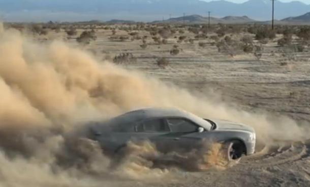 Dodge Charger: Wirbelt eine Menge Staub auf