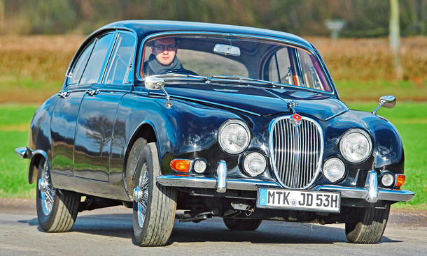 Jaguar S-Type 3.4: Classic Cars