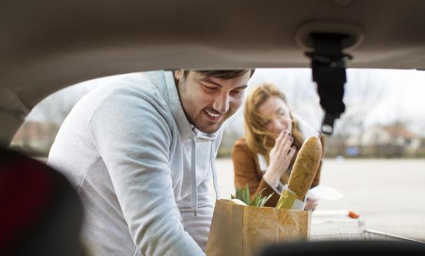 Mehr Ordnung im Auto mit der Kofferraumtasche