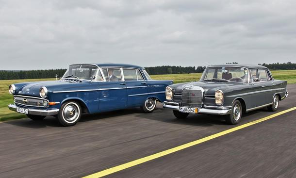 Vergleich: Mercedes 220 SE b vs. Opel Kapitän P