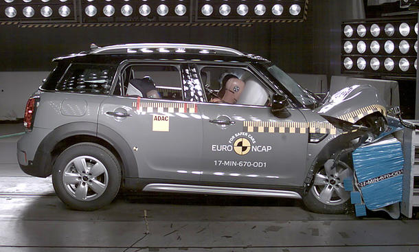 Mini Countryman im Crashtest