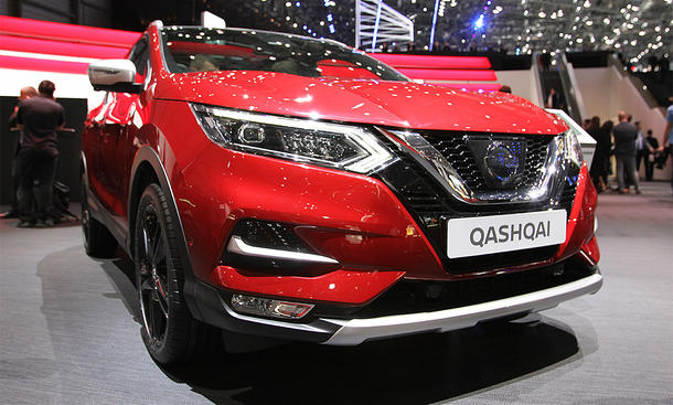 nissan qashqai facelift 2017 erste fotos. Black Bedroom Furniture Sets. Home Design Ideas