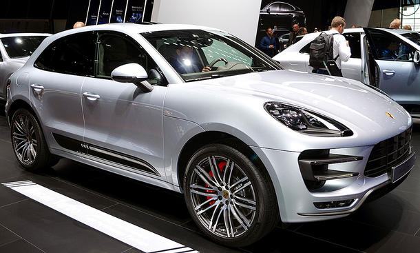 porsche macan turbo performance 2016 preis. Black Bedroom Furniture Sets. Home Design Ideas