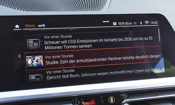 BMW 320d: Connectivity