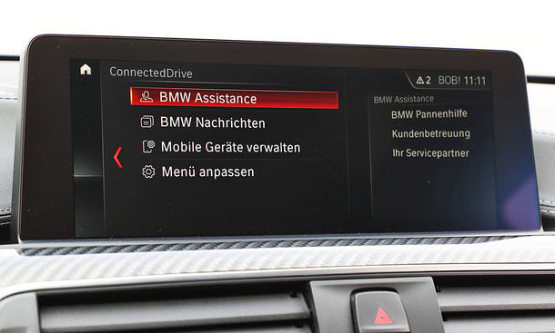 BMW M4 Competition: Connectivity