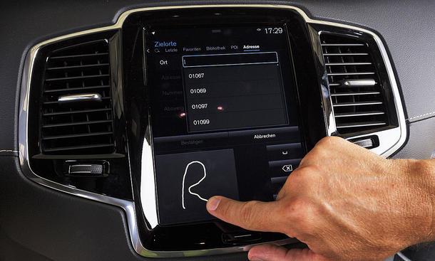 Volvo XC90: Connectivity