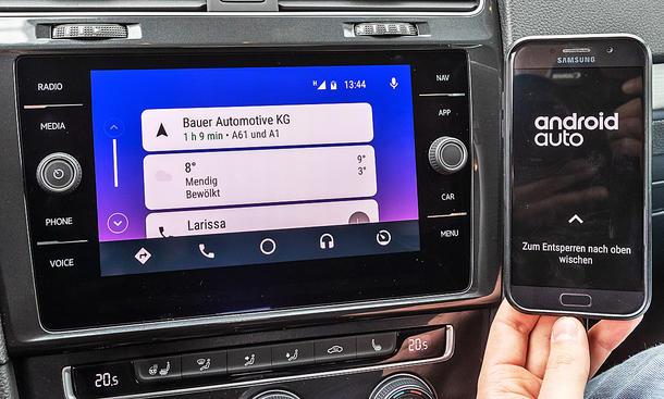Mazda 3/VW Golf: Connectivity