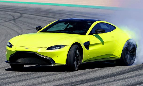 Pirelli P Zero >> Neuer Aston Martin Vantage (2017): Erste Testfahrt ...