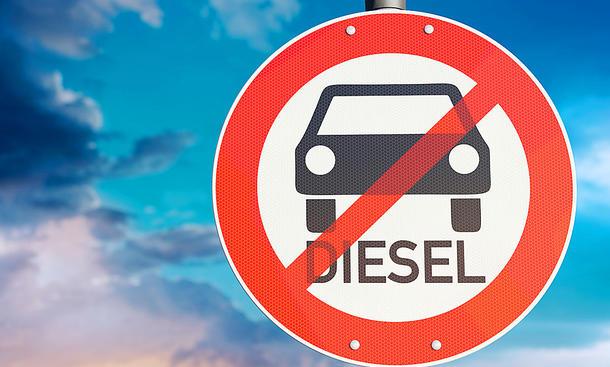 Gericht verwirft EU-Grenzwerte:Fahrverbote für Euro-6-Diesel werden möglich