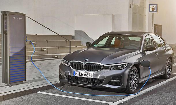 BMW 330e (Symbolbild)