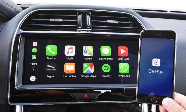 Jaguar XE: Connectivity
