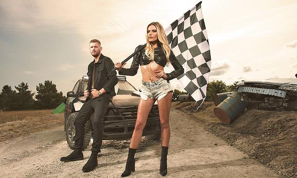DMAX - Sophia Thomalla moderiert neue Auto-Show